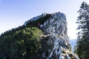 Die letzten Meter zum Käserwand-Gipfel mit leichter Kletterei