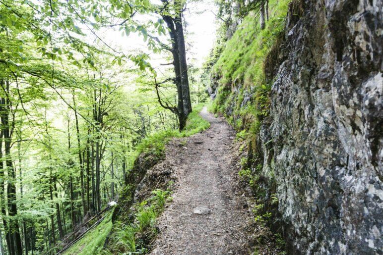 Eine der schmaleren Stellen auf dem Abstiegswerg