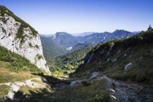 Der Abstiegsweg durch das Ostertal