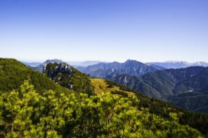 Der Blick hinüber auf die Berchtesgadener Alpen